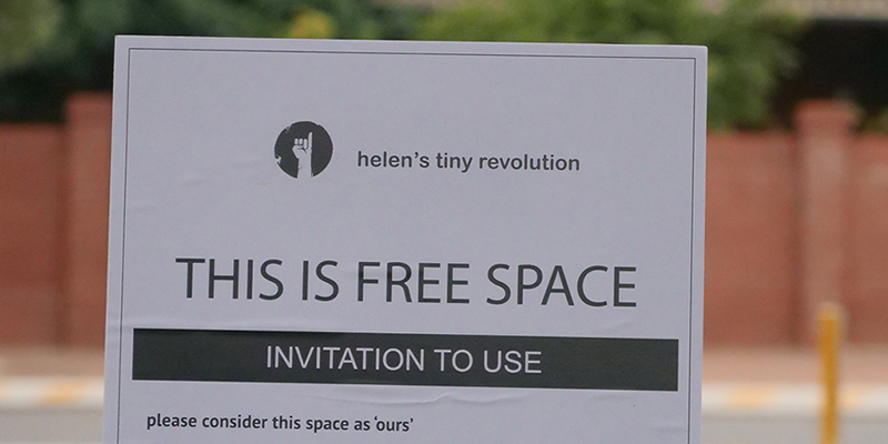 helen's free space signs